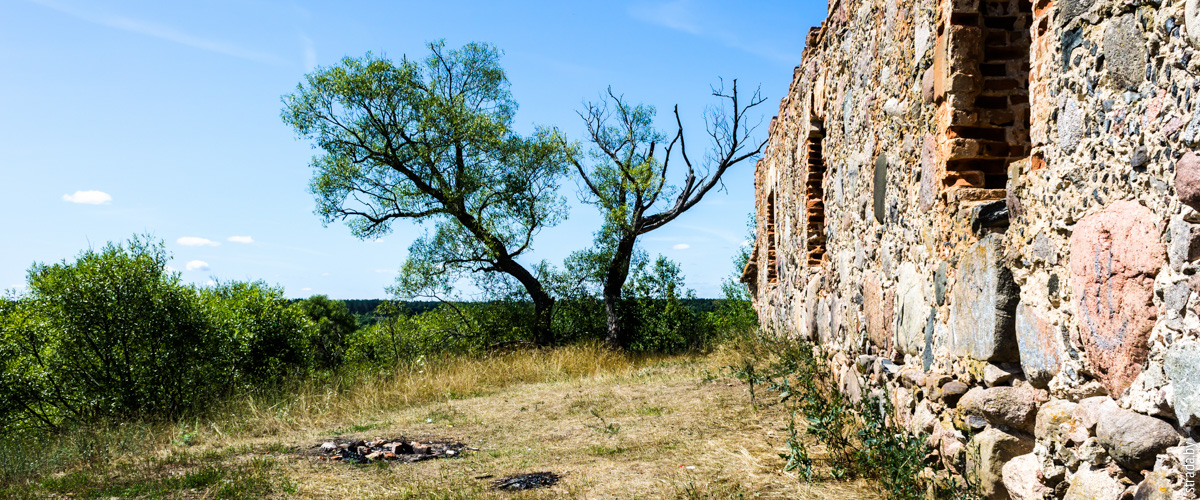 Развалины в посёлке Свислочь