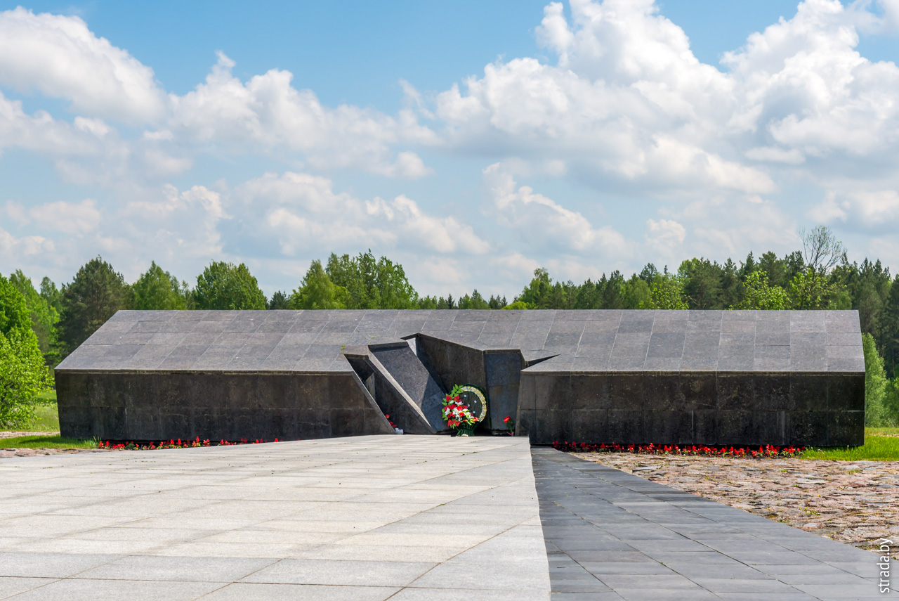 символическая крыша, Хатынь, Логойский район, Минская область