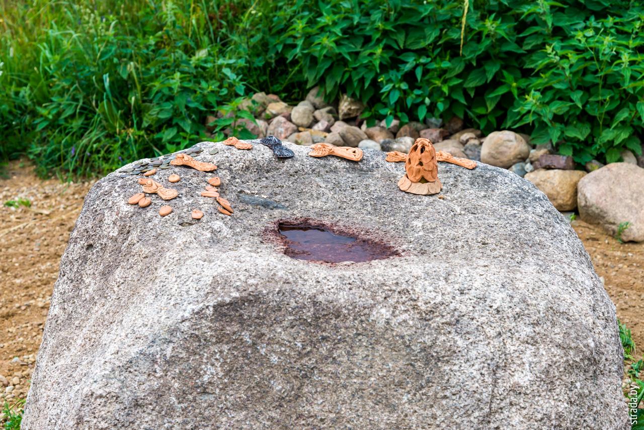 Жертвенный камень, Чухны, Сморгонский район, Гродненская область