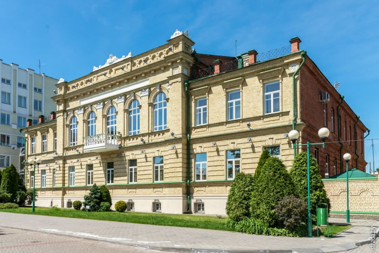 Здание Московского международного торгового банка