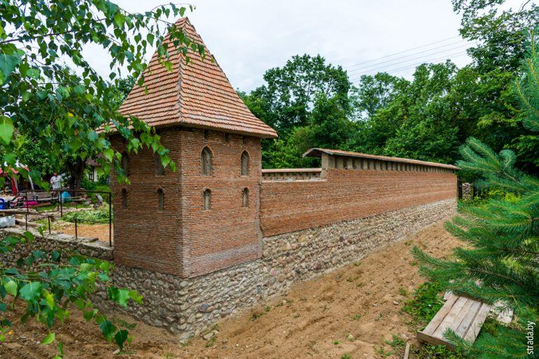 Копия Кревского замка